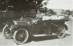 1912 Leon Bollee